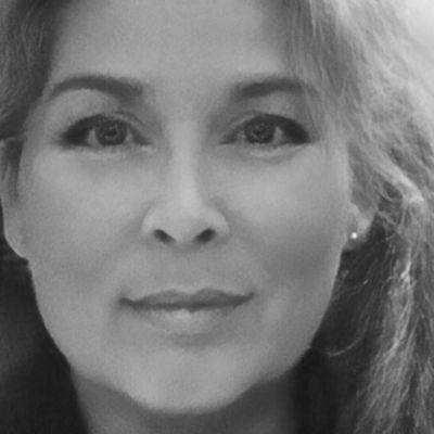 Dr. phil. Annette HÜNNEKENS